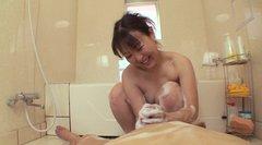 seks-dushe-yaponka